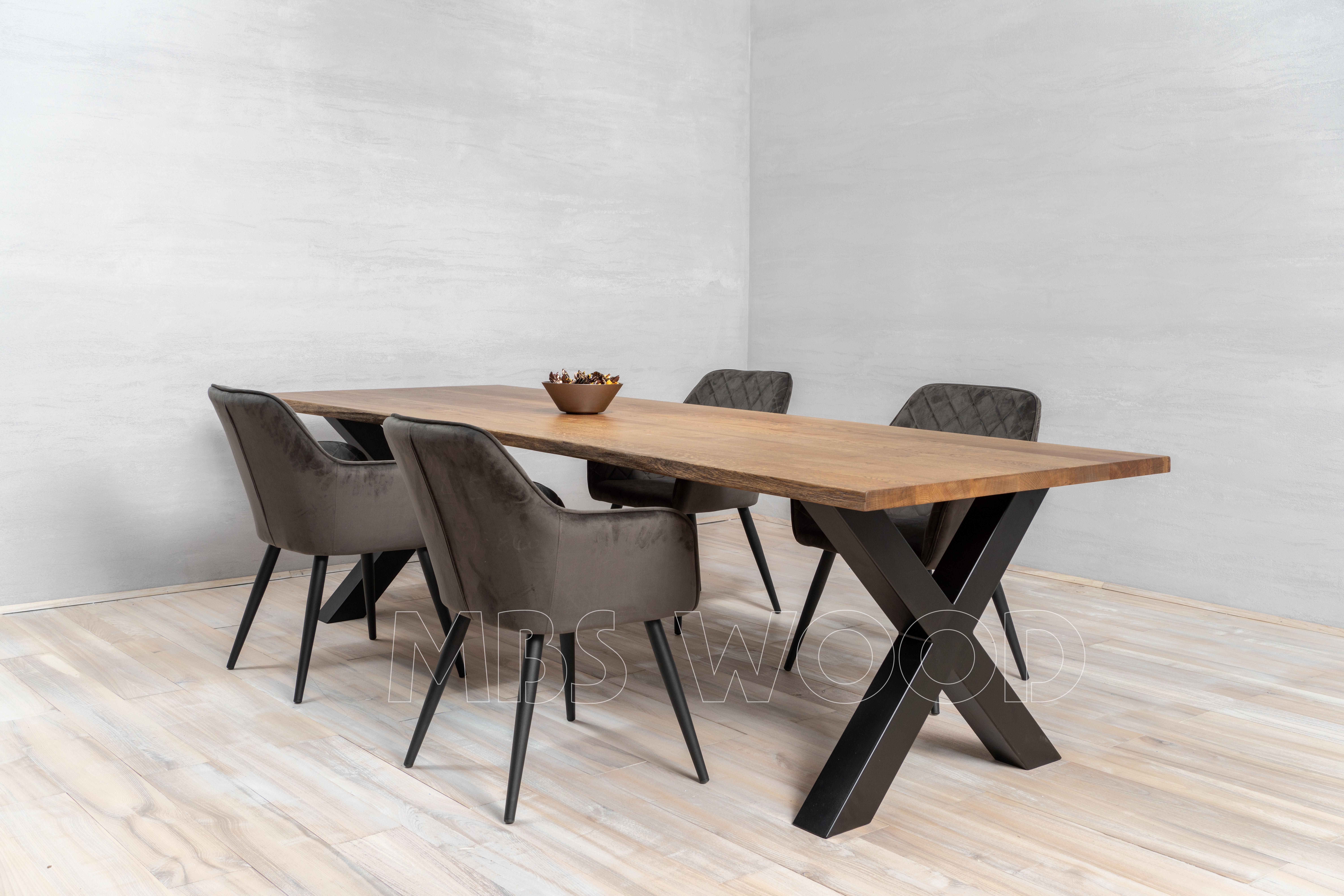 Productie van houten tafels van eiken mbswood.com