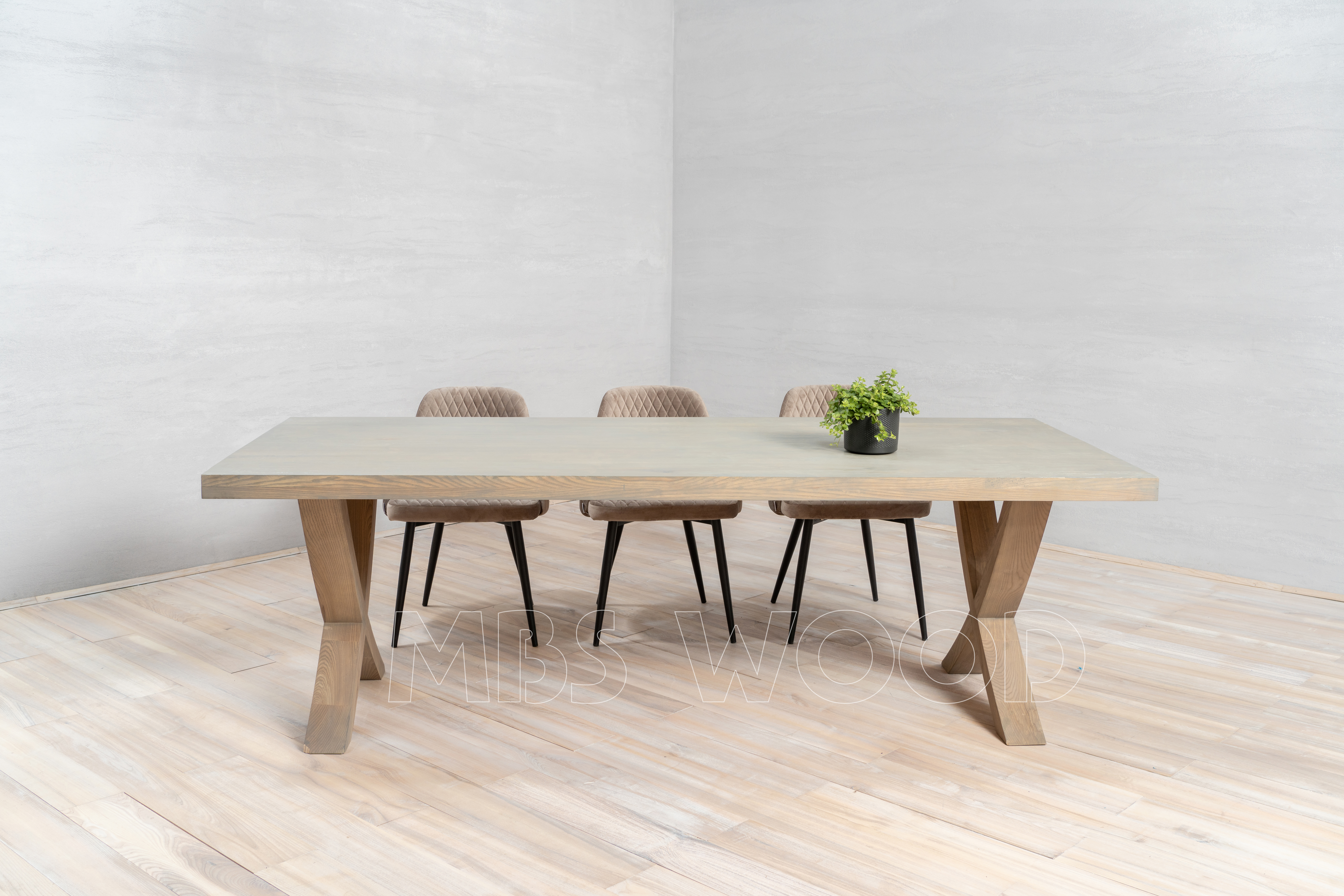 Eiken tafel met houten poten natuurlijke olie mbswood.com