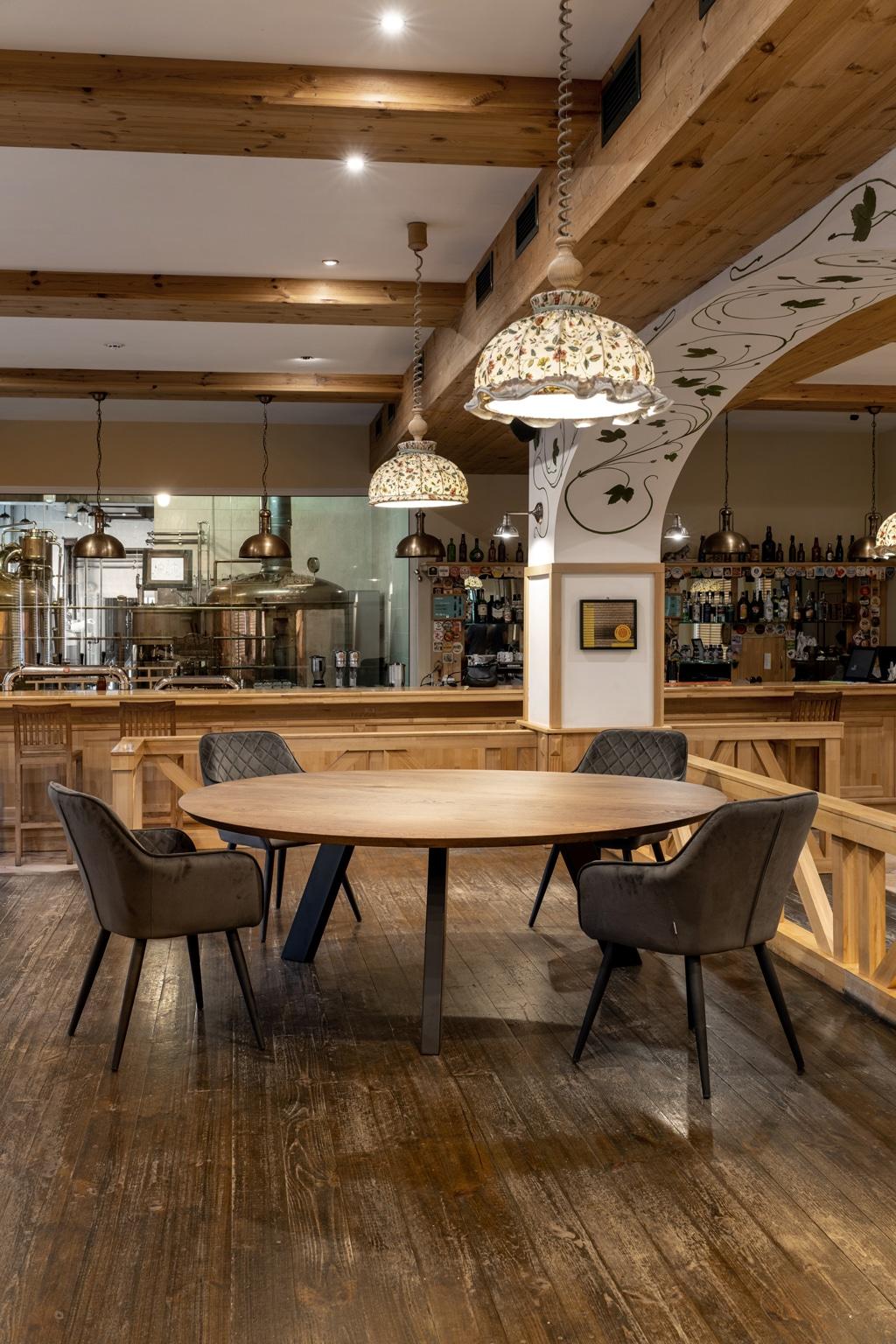 op maat gemaakte houten tafels